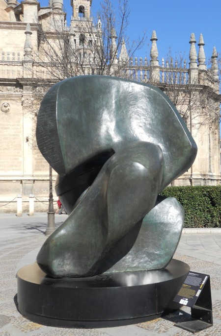 Henry Moore-1